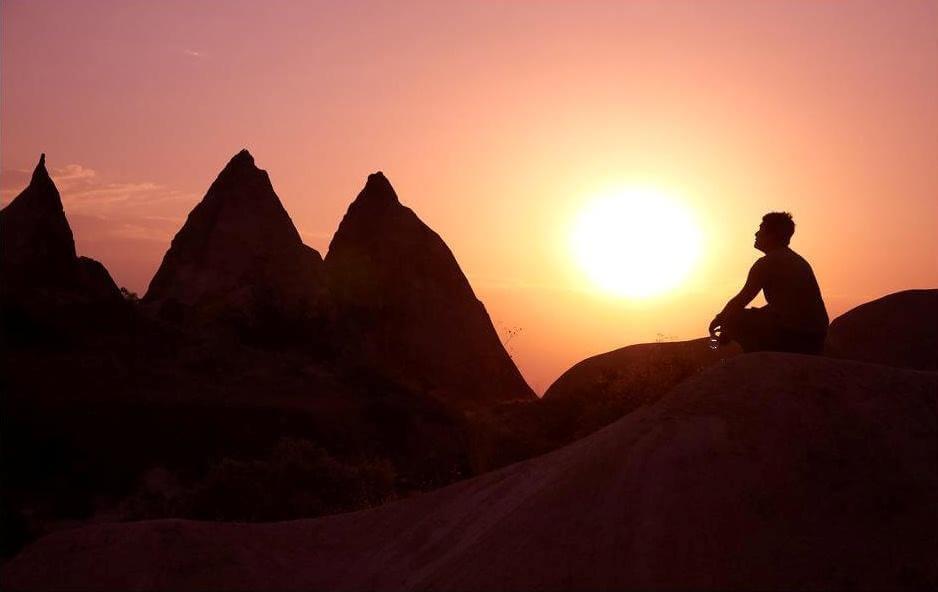 La piramide dei bisogni e l'equilibrio interiore