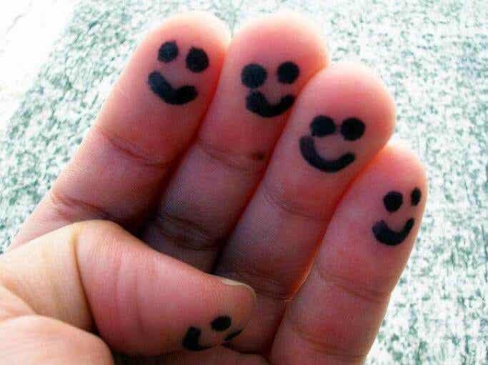 Cinque semplici idee per coltivare l'allegria e la felicità