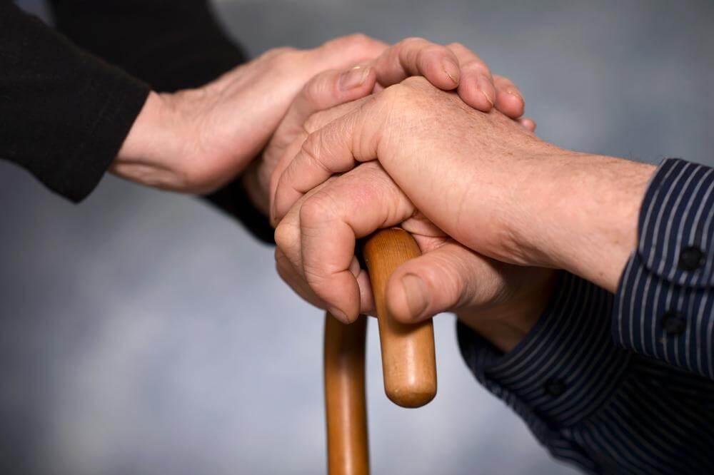 Come aiutare i propri genitori quando diventano anziani