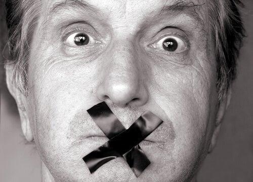7 momenti in cui è meglio stare zitti