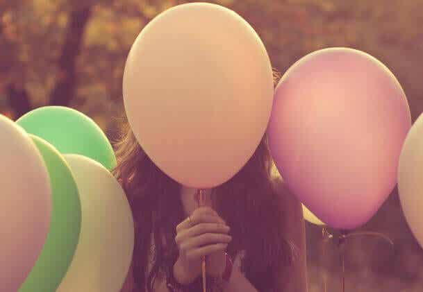 Siamo un palloncino di emozioni in un mondo di spilli