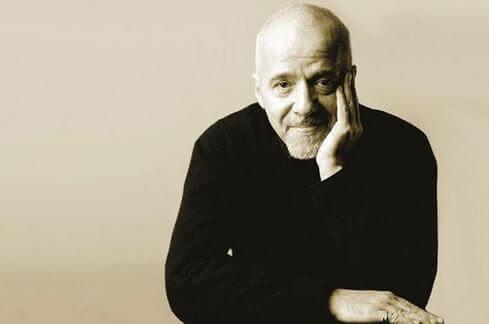 15 celebri frasi di Paolo Coelho