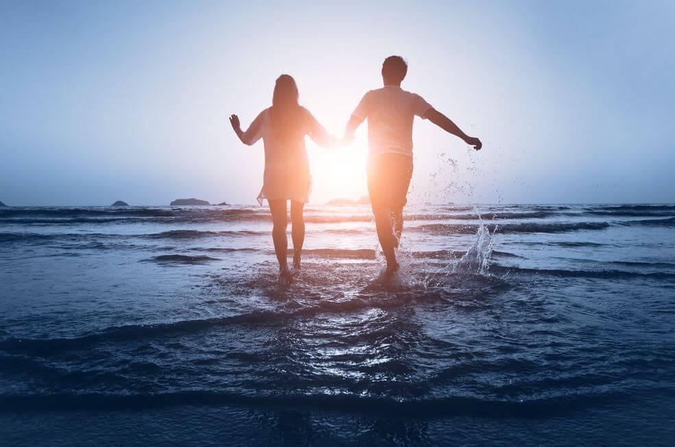 5 passi da seguire per cominciare una relazione di coppia con il piede giusto