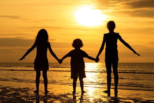 Come influenza l'ordine di nascita la personalità dei fratelli?