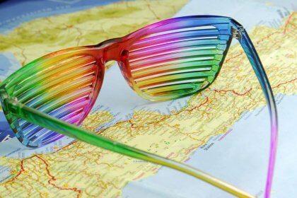 occhiali color arcobaleno
