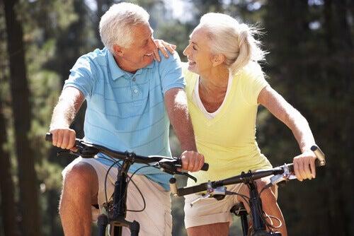 anziani-bicicletta