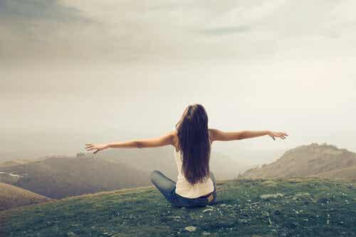 Bisogna vivere come si pensa e non pensare come si vive