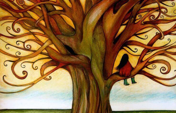 bambina su un albero molto intrecciato