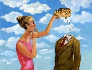 donna toglie maschera uomo