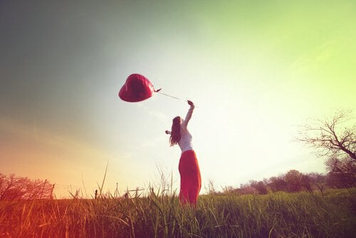 ragazza-libera-palloncino