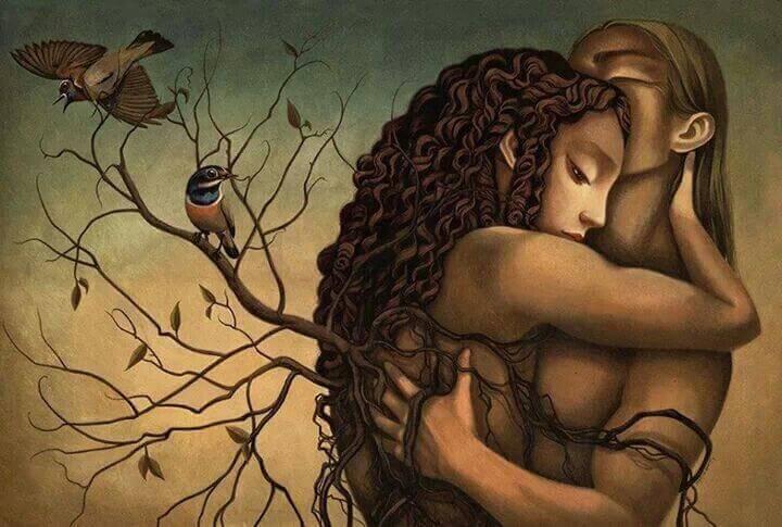 abbraccio tra uomo e donna, rami e uccelli