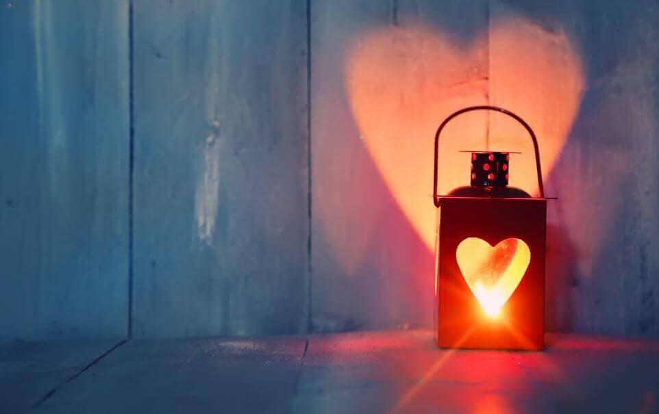 Amare la solitudine rende partner migliori