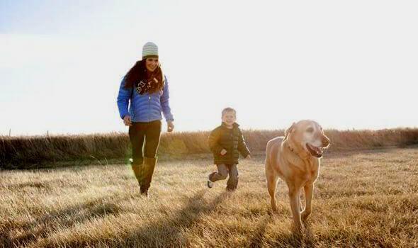 Madre-figlio-cane