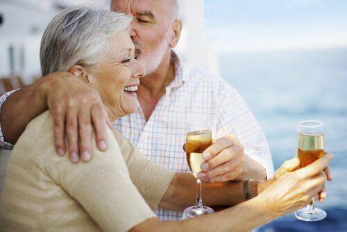 Persone anziane che si sentono giovani