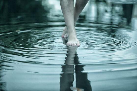 Piedi-in-acqua