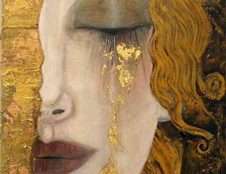 donna bionda triste