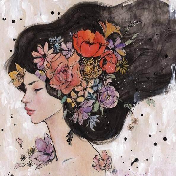 donna-con-fiori-capelli