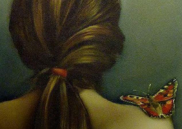 farfalla-su-una-spalla-nuda