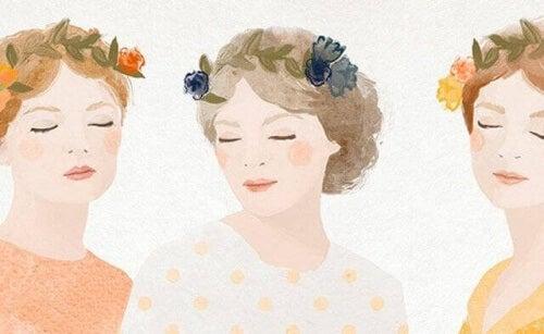 tre-donne-con-fiori-nei-capelli