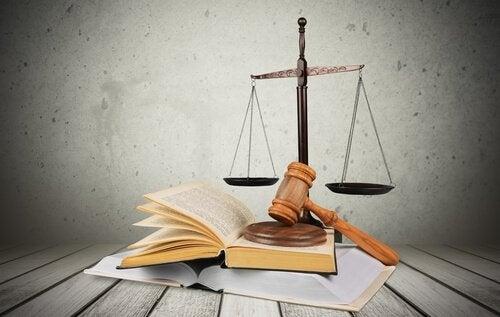 Simboli della giustizia