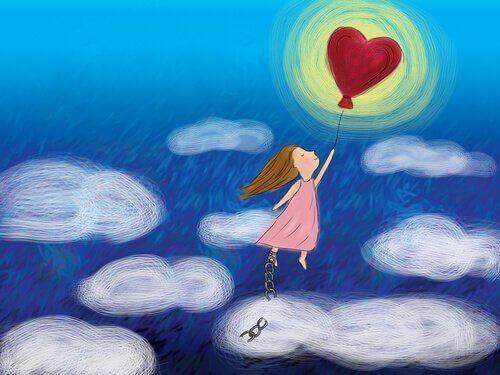 bambina vola tra le nuvole legata a palloncino rosso