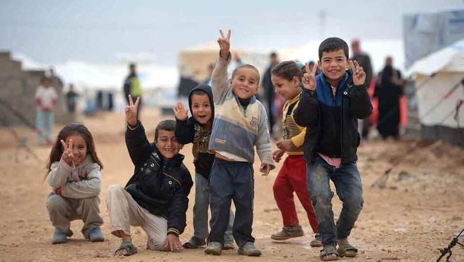 Bambini rifugiati: cuori feriti in cerca di speranza