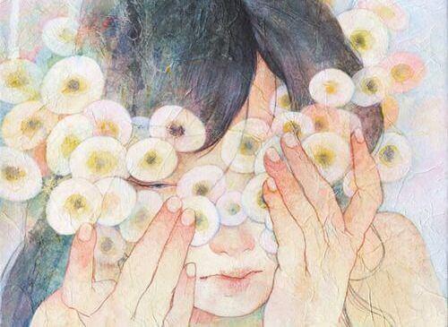 donna con fiori rotondi sul viso