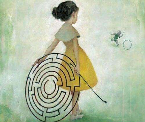 psicoterapia donna con labirinto dietro la schiena