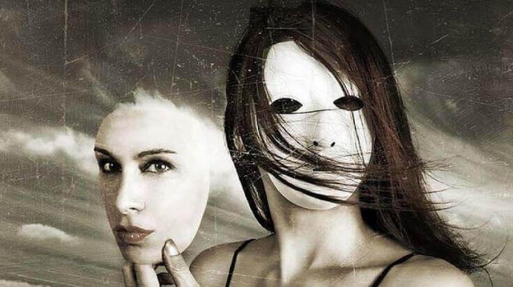 donna-con-maschera