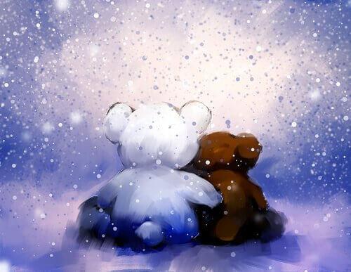 orsi che si abbracciano sotto la neve