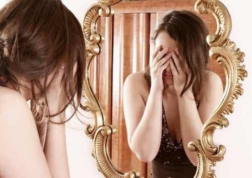 Sapete cos'è la sindrome del dismorfismo corporeo?
