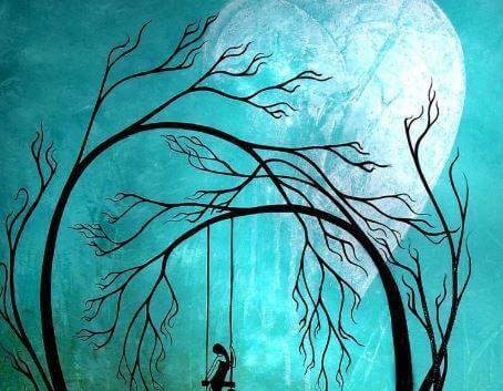 bambina su altalena in un bosco senza folglie