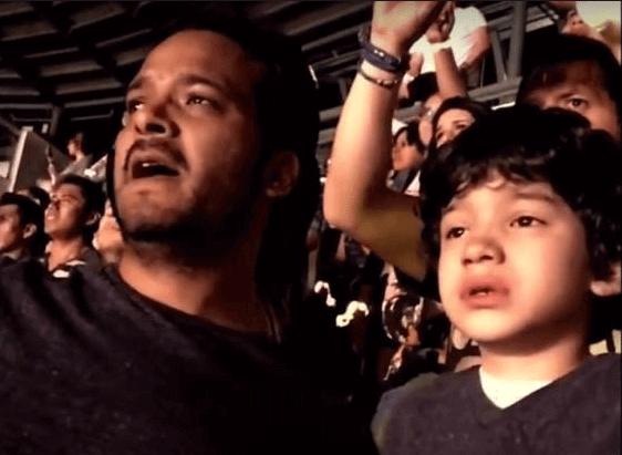 Le lacrime di emozione di un bambino autistico al concerto dei Coldplay