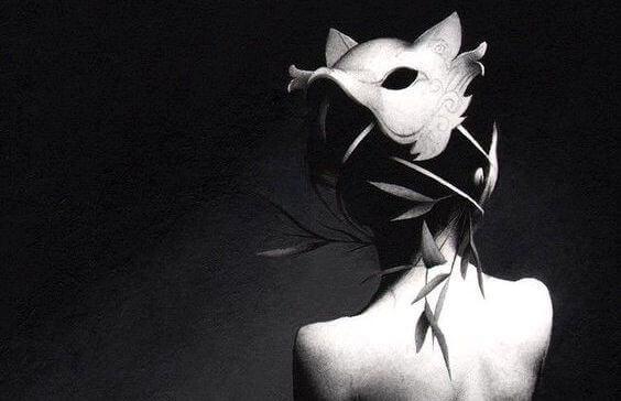 donna-maschera-lupo