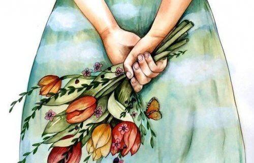 ragazza nasconde dietro la schiena mazzo di fiori