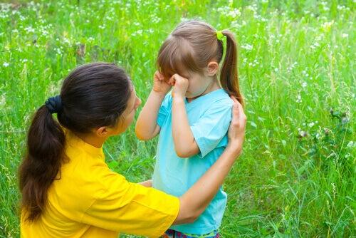 Mamma-consola-la-figlia
