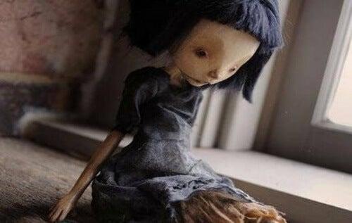 bambola triste