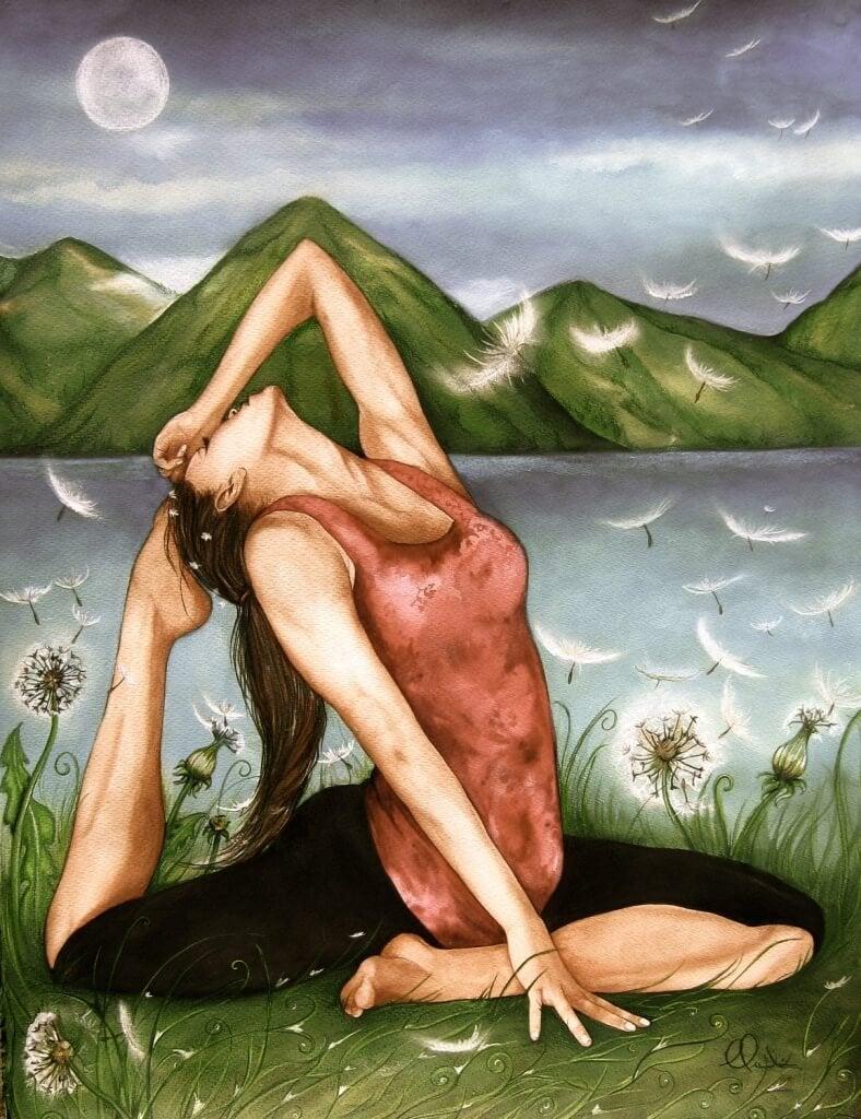 donna circondata da piume