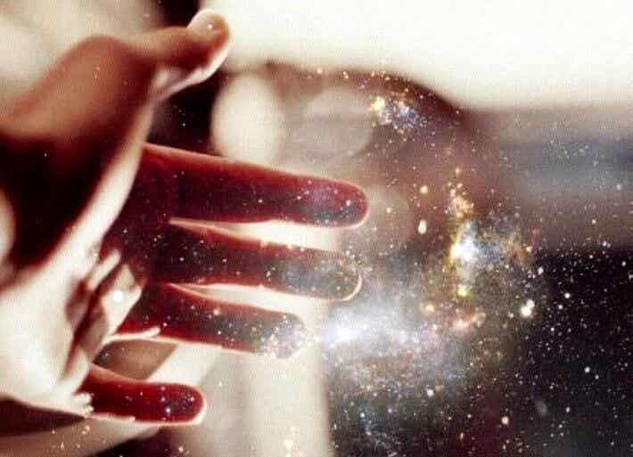 Desidero che mi accarezzino l'anima, la pelle può toccarla chiunque