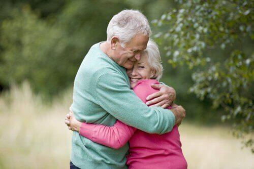 L'importanza del contatto fisico per bambini e adulti