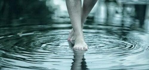 piedi-su-acqua
