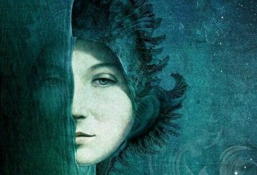 viso di donna nel mare