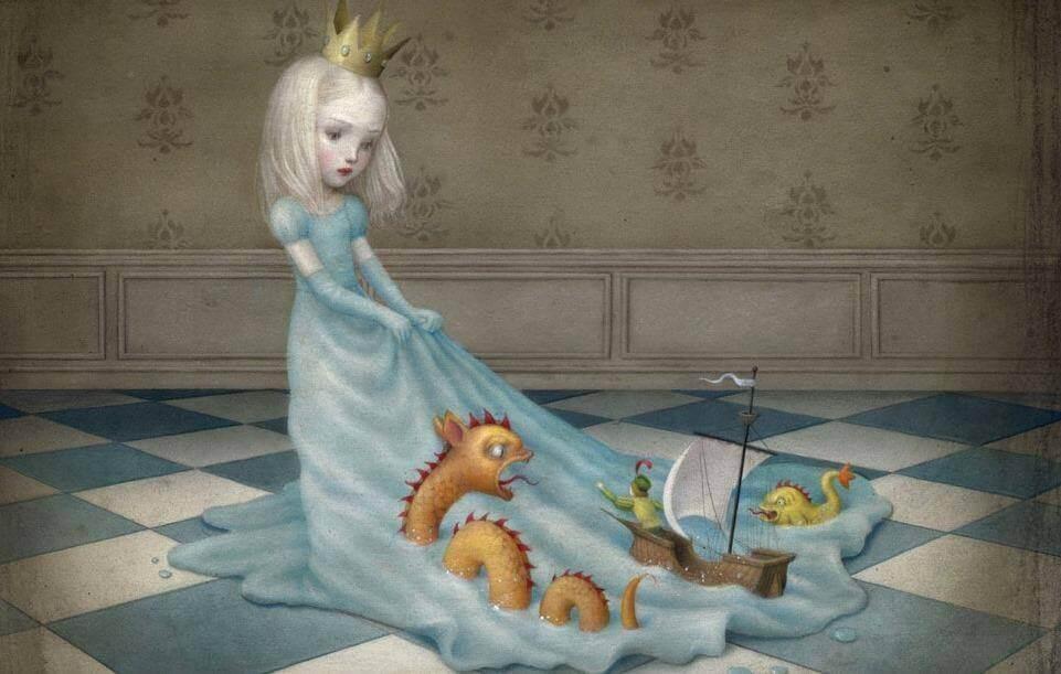 bambina-con-corona-da-principessa-che-trascina-i-giocattoli-sul-uso-vestito