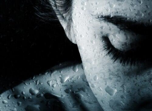 donna-che-piange