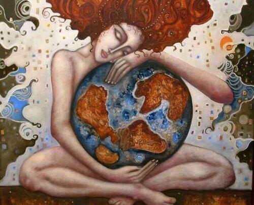 donna-abbraccia-il-mondo