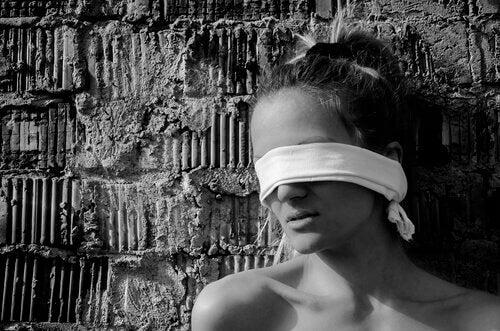 donna-bendata
