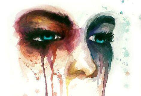 occhi che piangono sbavando il trucco