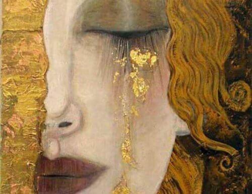 donna con lacrime d'oro