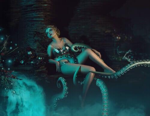 donna-avvolta-da-tentacoli