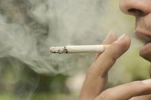persona-che-fuma